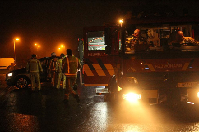 Vrouw belandt met been onder eigen wagen in Nieuwkerke
