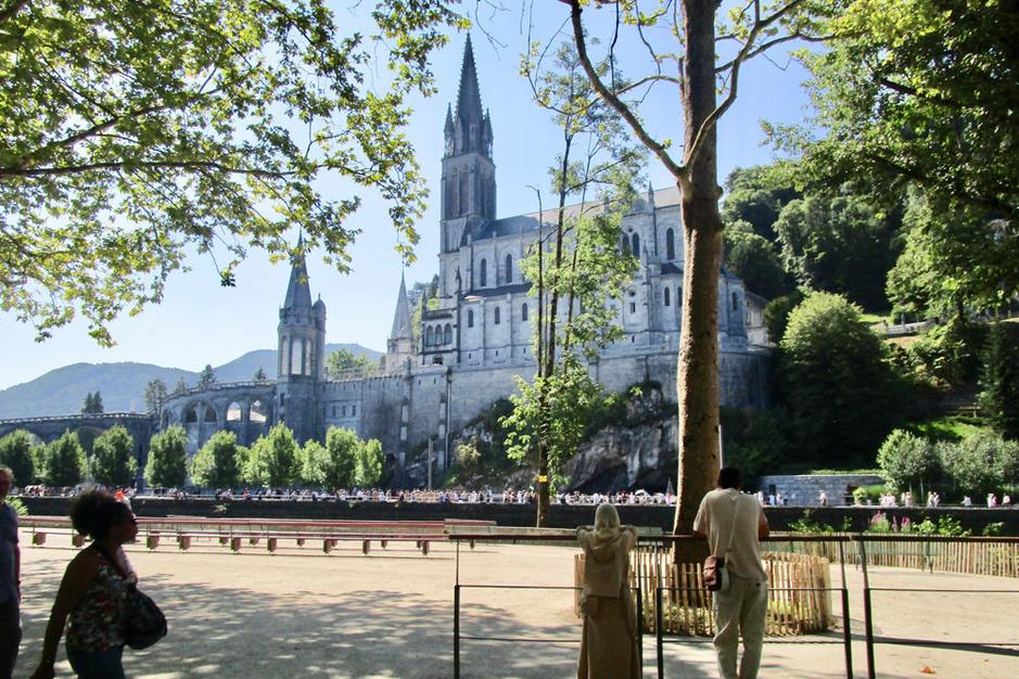 Lourdes is springlevend: 'De bedevaart heeft een gunstige invloed op de gezondheid'