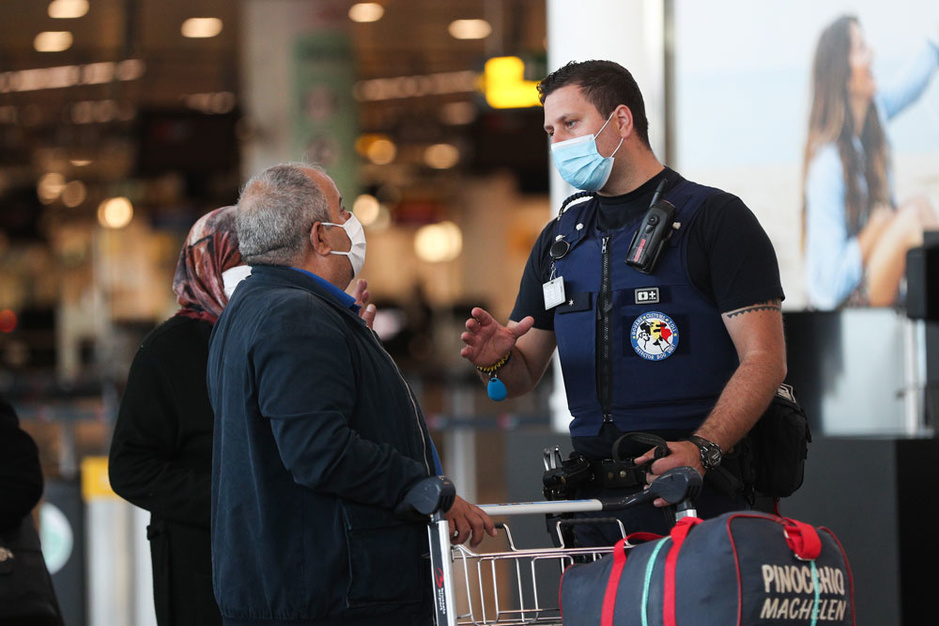 Vliegen binnen Europa? Check de veiligheidsmaatregelen van vliegmaatschappijen en luchthavens