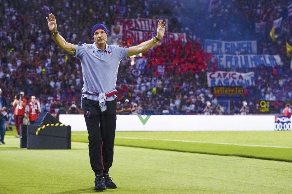 Bolognacoach Sinisa Mihajlovic vecht tegen leukemie: 'Ik ben geen held, gewoon een mens'