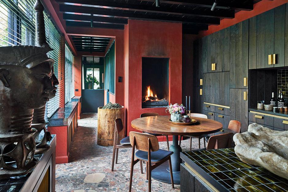 Kakofonie in harmonie: kijk binnen in het huis van decorateur Frederiek Van Pamel