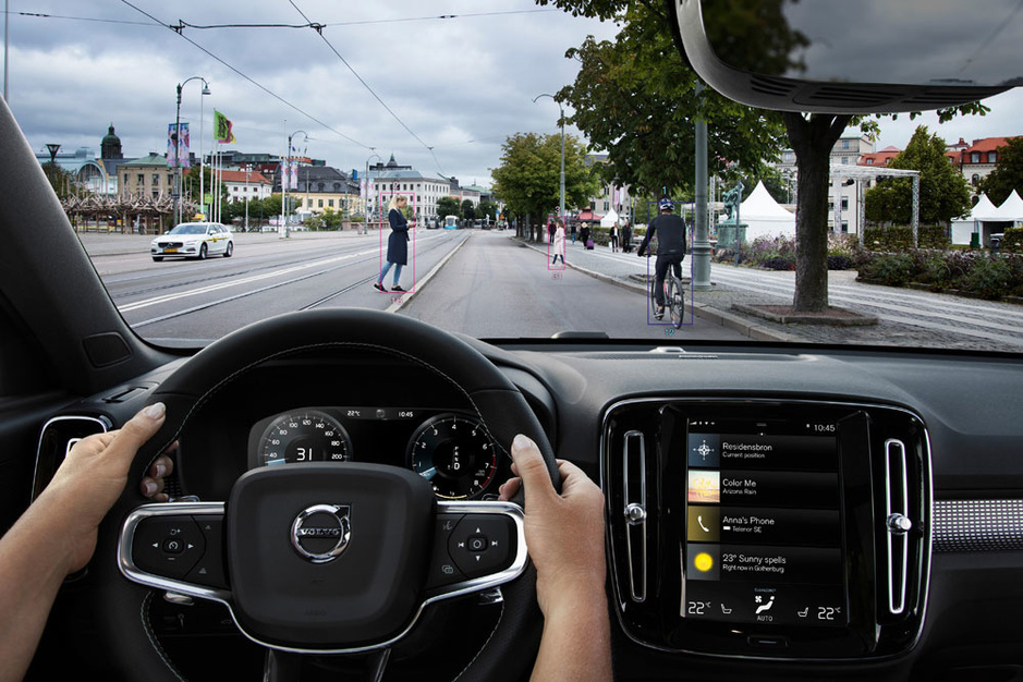 'Meer veiligheidsvoorzieningen leiden niet automatisch tot meer verkeersveiligheid. De chauffeur moet mee-evolueren'