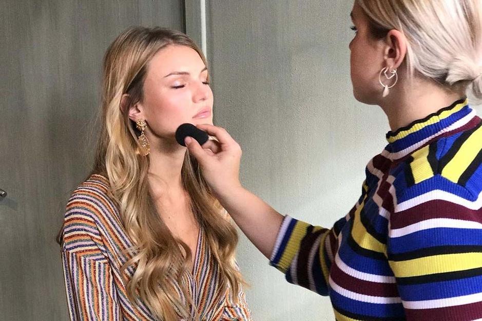 Achter de schermen bij make-up artist Marlien Echelpoels: 'Als een look echt lelijk uitdraait, dan ben ik de eerste om dat toe te geven'