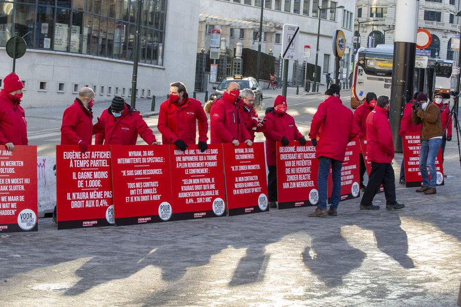 De balans: hoe de vakbonden hun hand overspelen