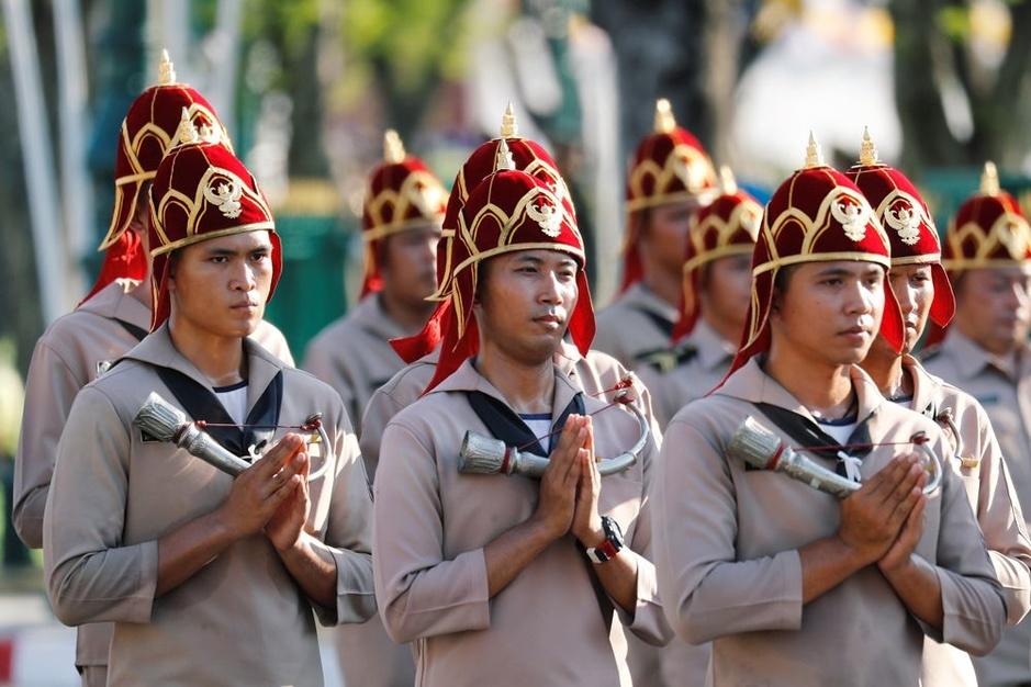 En images: Répétitions fastueuses et millimétrées du couronnement du roi de Thaïlande