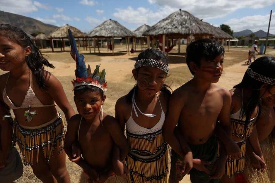 Des tribus brésiliennes menacées par les agriculteurs et les mineurs (en images)