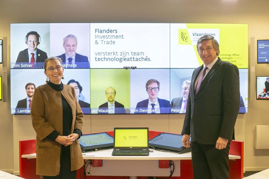 Vlaanderen stuurt nog vier techattachés het veld in