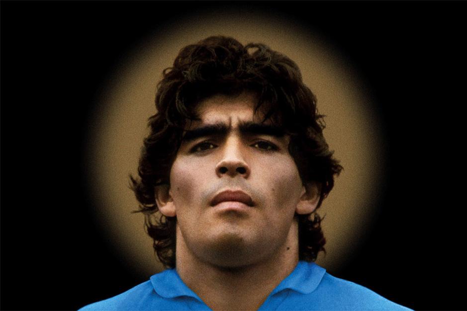 Op zoek naar de echte Maradona: 'Hoe diep hij ook zit, hij vecht altijd terug'