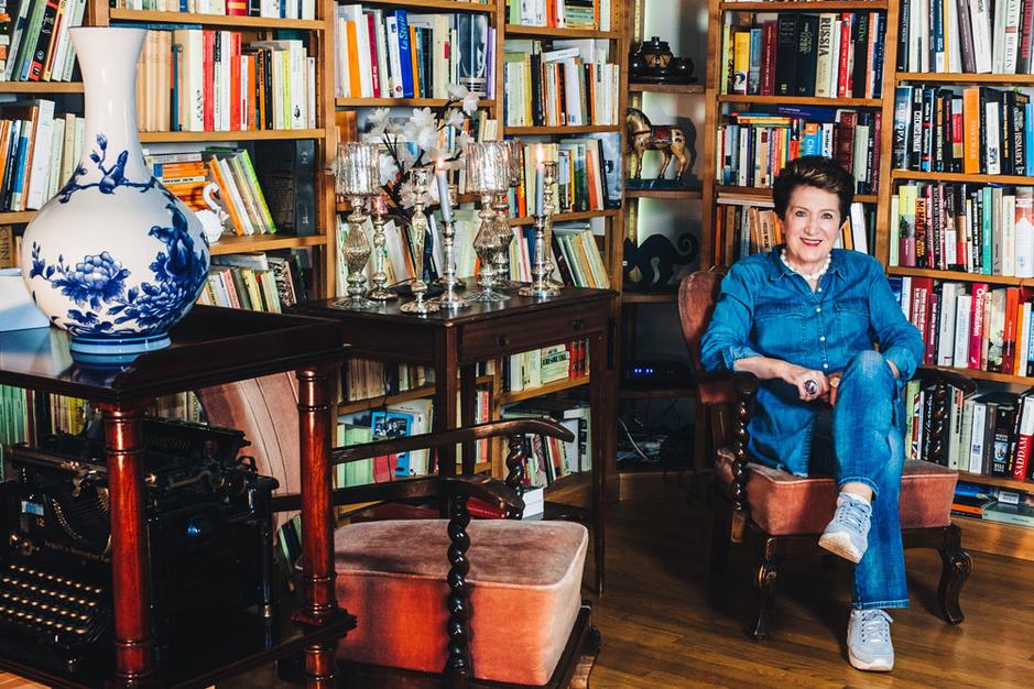 Thuis bij Mia Doornaert: 'Ineens had ik bij alles hulp nodig'
