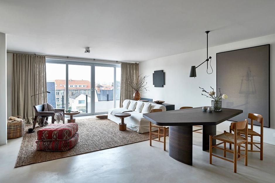 Architecte Charlotte Vercruysse over haar kustappartement: 'Mijn thuis is mijn visitekaartje'