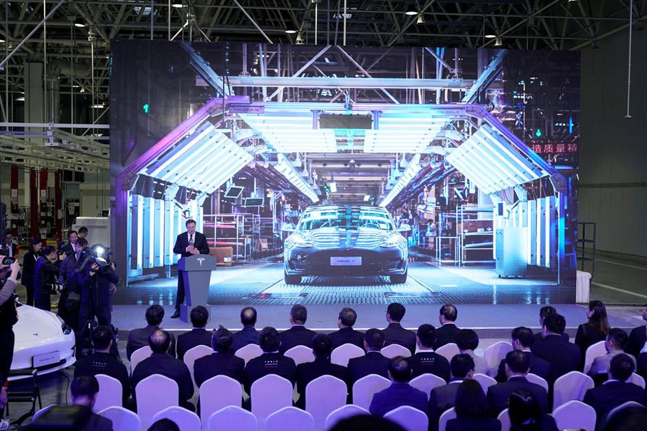 Waarom Tesla geen autoproducent is