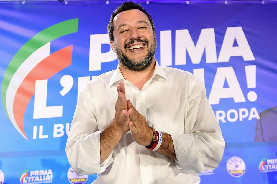 Matteo Salvini is heer en meester in het land van de vallende sterren
