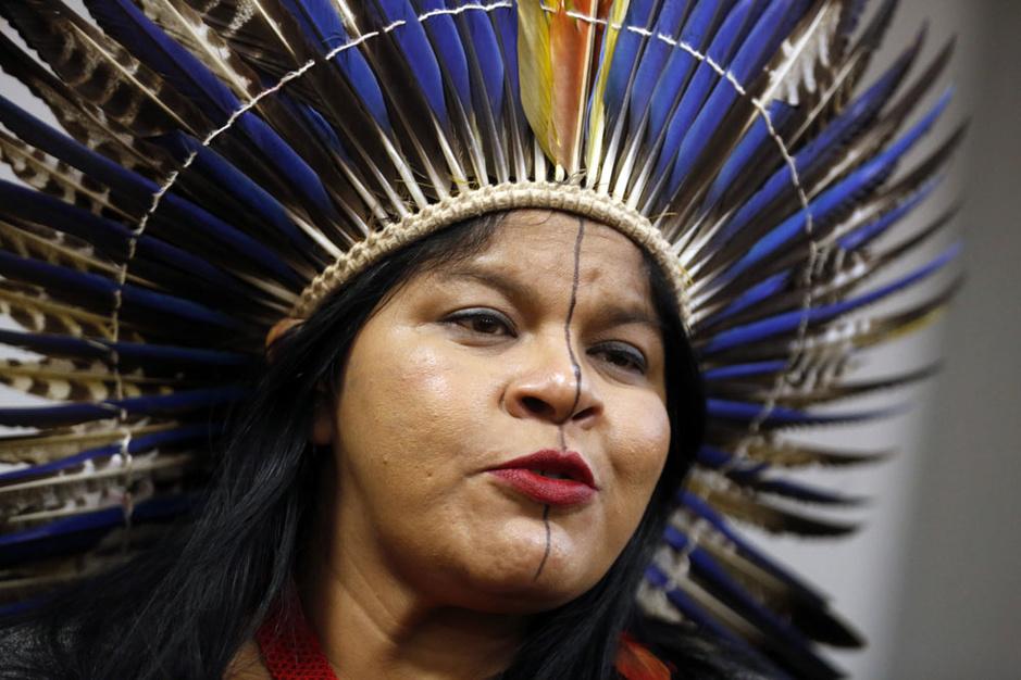 Amazonestrijdster Sonia Guajajara: 'Het is schandalig dat wij met ons leven de ontwikkeling van Brazilië moeten betalen'