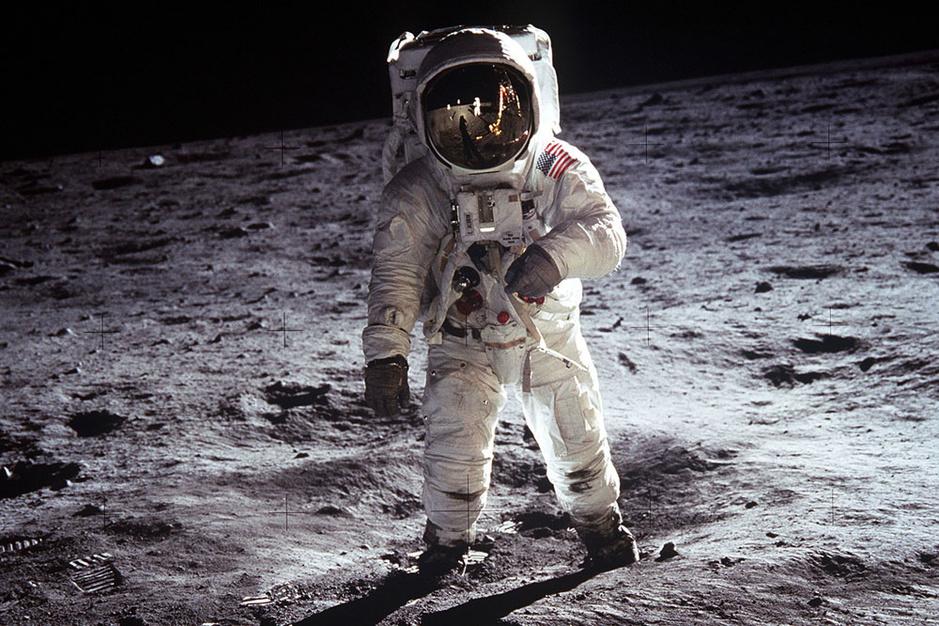 De wildste complottheorieën over de maanlanding: voor eens en voor altijd doorprikt