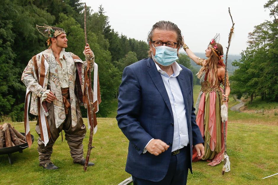 Marc Coucke: 'Ik respecteer het coronabeleid van de regering'