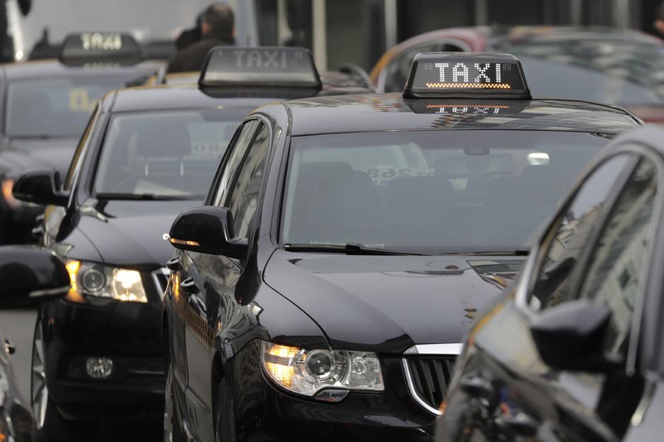 Taxichauffeurs vertellen over hun beroep: 'Er ontplofte een zak cocaïne op de achterbank'
