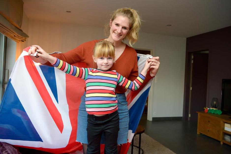 """Hoe brexit West-Vlaamse mama in de ban houdt: """"Zal niet twijfelen om dochter Brits te maken"""""""