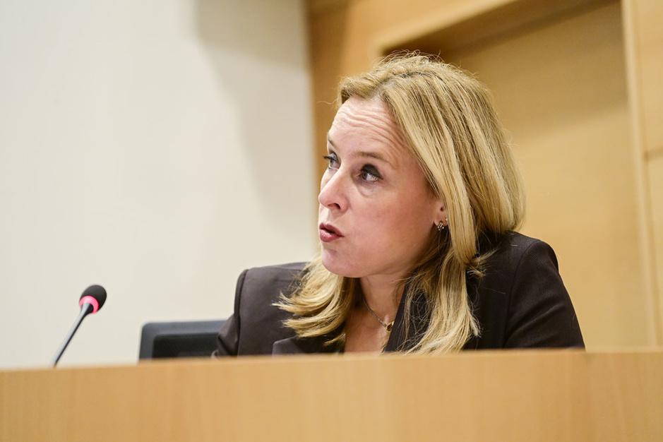 Staatssecretaris Eva De Bleeker: 'Geen CO2-taks op de nek van de middenklasse' (video)