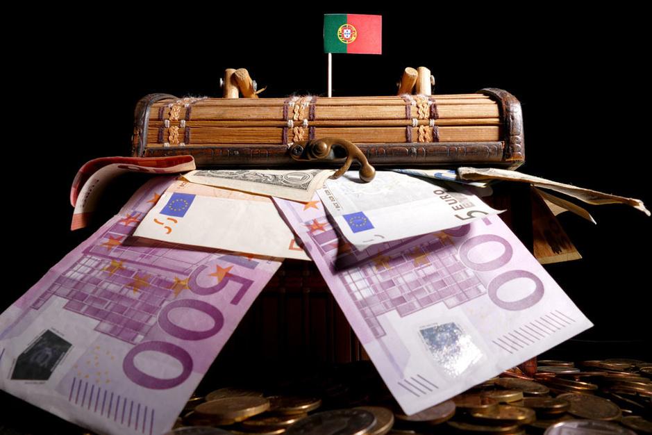 Onzekerheid stuwt vermogende Belgen richting fiscale emigratie