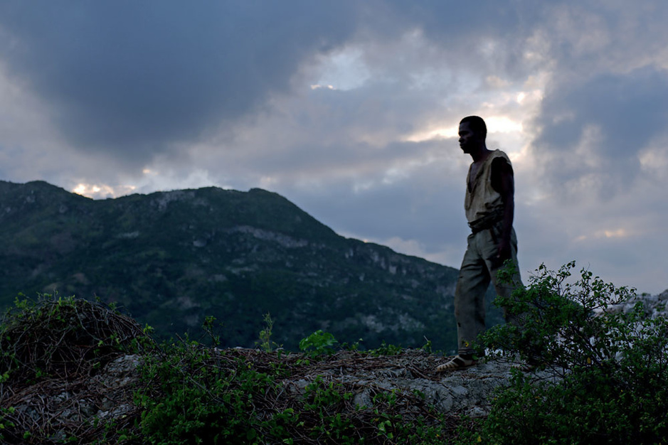 Bertrand Bonello stort zich op de zombie: 'Ik wilde hem terugbrengen naar waar hij thuishoort'