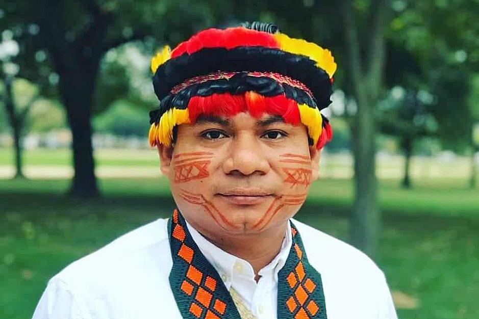 Inheemse Amazoneleider Tuntiak: 'Klimaatjongeren als Greta en Anuna zijn onze stem in Europa'