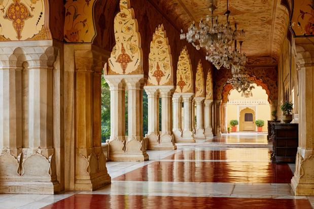 Via Airbnb kan je nu overnachten in het paleis in de roze stad Jaipur