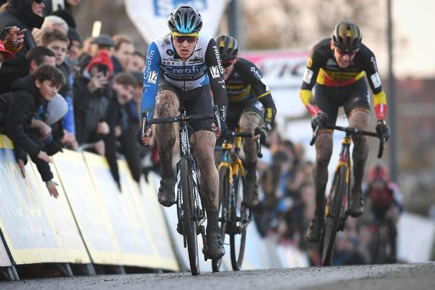 Mathieu van der Poel verovert andermaal de zege in nieuwe cyclocross in Kortrijk