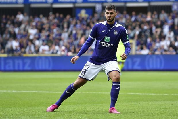 Anderlechtverdediger Cobbaut wil meer dan die ene galamatch op Man City: 'Ik wil voltijds in Engeland voetballen'