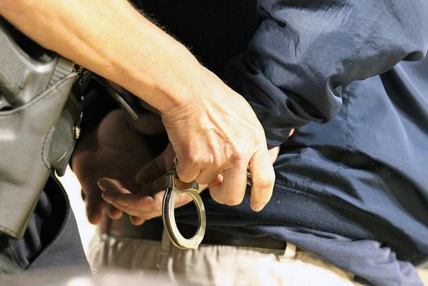 Politie betrapt drugdealer op heterdaad in Anzegem