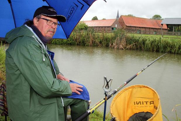 """Moense Bliekers vieren 70 jaar: """"Vissen hoeft helemaal geen dure hobby te zijn"""""""