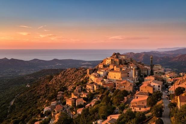 Corse: le président de l'Assemblée veut exproprier les acheteurs non-résidents