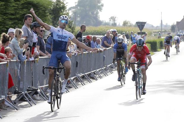 Franck Eamon als eerste over de streep in Eernegem