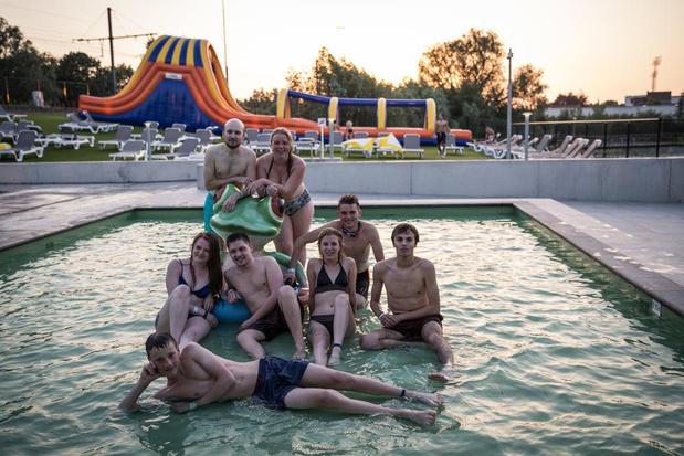 Koude rillingen voor nocturne zwemmers van Lago Kortrijk Weide