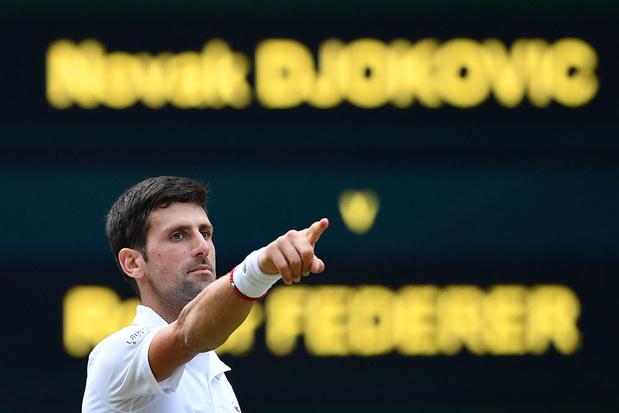Djokovic verslaat Federer in zinderende Wimbledon-finale