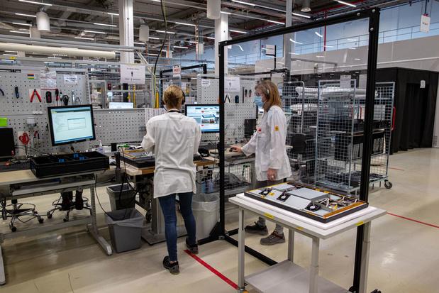 Podcast Inside Beleggen: 'Waarom doet het Belgische technologie-aandeel Barco niet mee met de techhausse?'
