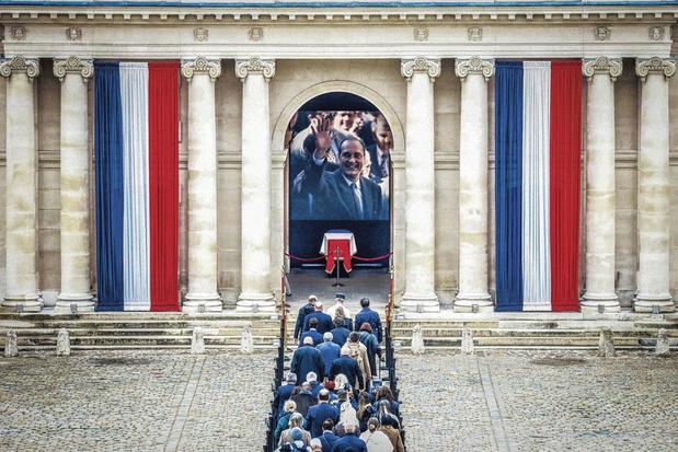 """""""Le pouvoir et l'oubli"""" : que restera-t-il de Jacques Chirac, président français de 1995 à 2007 ?"""