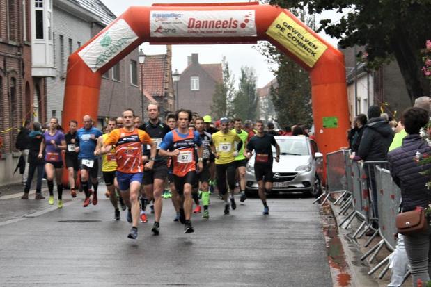 Pittemnaar Tim Soenens wint de halve marathon in Kanegem