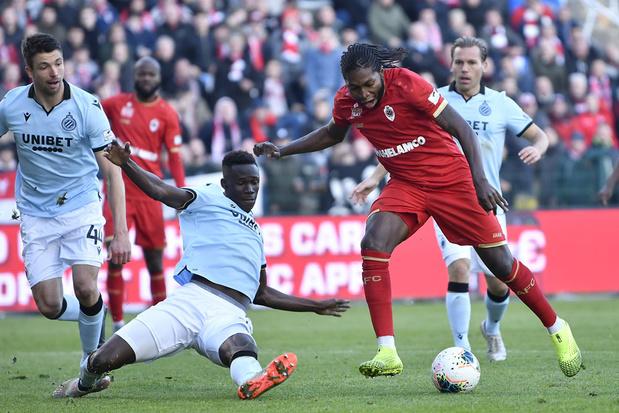 Antwerp bezorgt Club Brugge eerste competitienederlaag, KV Mechelen wint bij Standard
