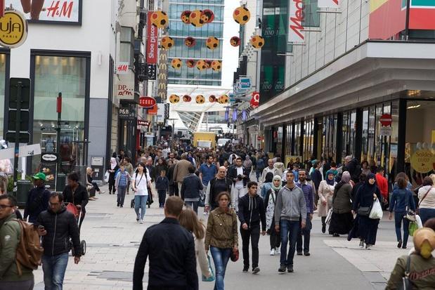 Consumentenvertrouwen daalt opnieuw