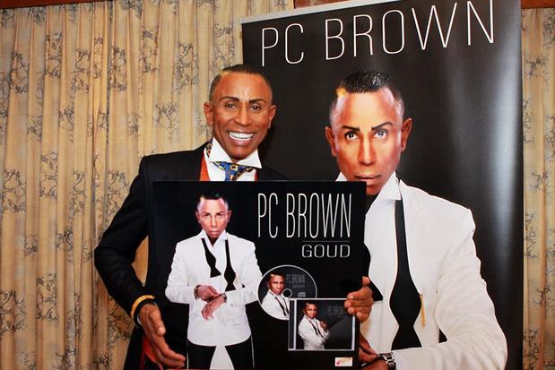 Gouden stem PC Brown brengt eerste album 'Goud' uit