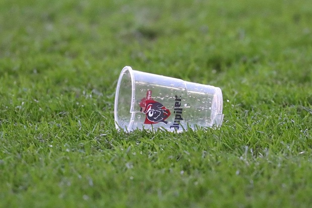 AB InBev wil 18 miljoen plastic bekers minder produceren