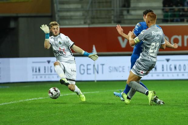 Gent en Standard winnen in achtervolging op Club Brugge