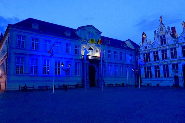 Brugse Burg kleurde blauw voor campagne tegen mensenhandel
