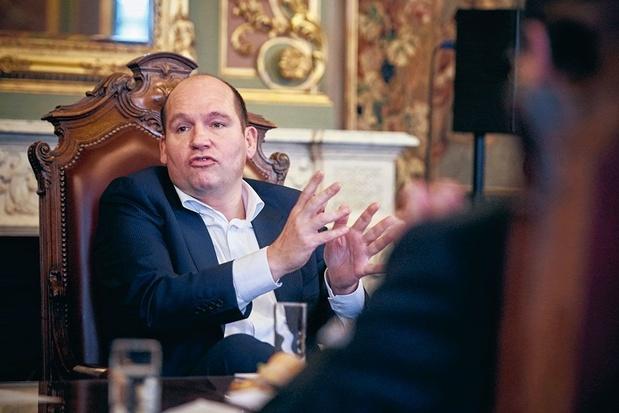 """Philippe Close chez la Première ministre """"dans un esprit serein"""""""
