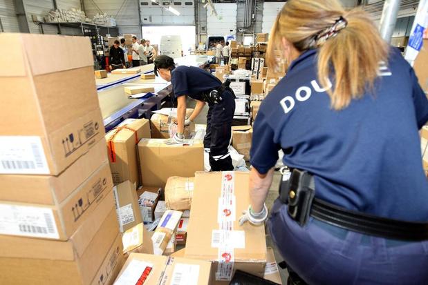 France: plus de 400.000 médicaments de contrebande saisis par les douanes à Calais