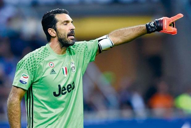 Gianluigi Buffon égale le record du nombre de matches en Serie A