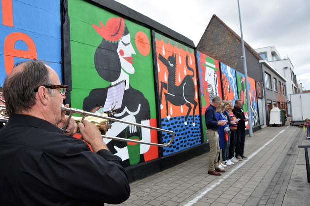 Streetart over lied Tineke van Heule siert Tinekesgemeente Heule