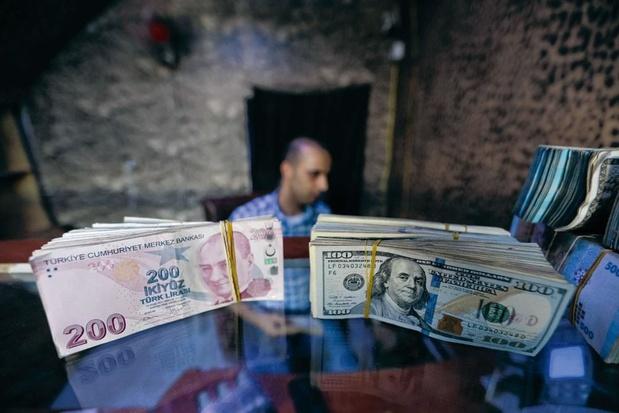 Malgré le plongeon de sa devise, la Turquie veut maintenir un régime de changes libres