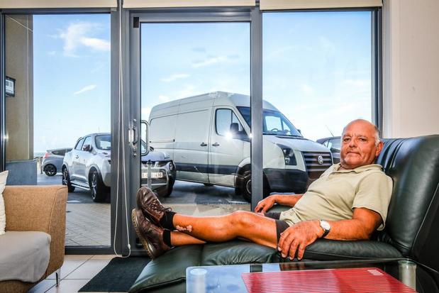Jos Pilaet is zeezicht kwijt door extra parkeerplaatsen op de zeedijk in Oostende