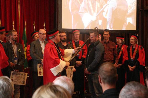 Brouwer Jef Pirens is Ridder in de Orde van de Roerstok in Izegem